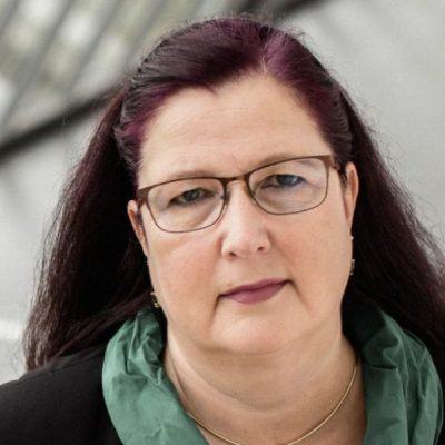 Rechtsanwältin Frau Wollburg Dozentin für Recht